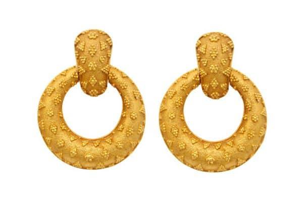 ilias lalaounis textured 18k gold doorknocker earrings