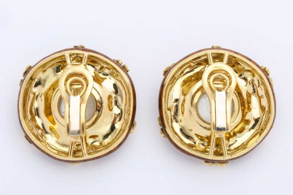 elizabeth gage gold and citrine lion intaglio earrings