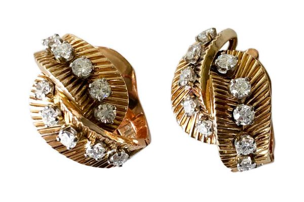 van cleef 1950s foliate design earrings