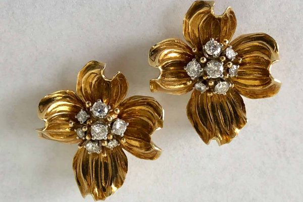 dogwood flower gold diamond earrings