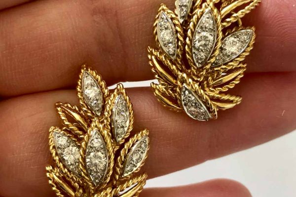van cleef and arpels leaf earrings