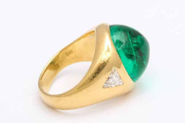 Bulgari emerald and diamond ring