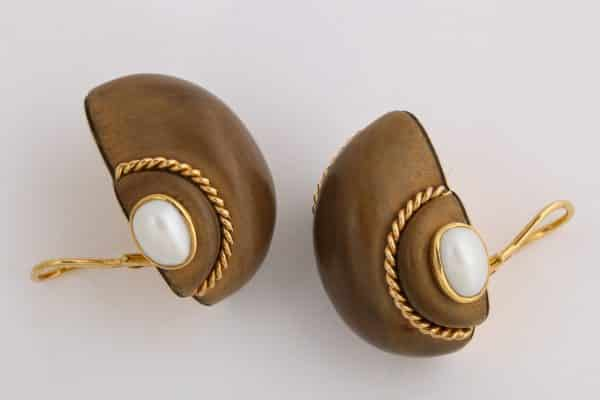 "verdura wood and pearl ""shell"" earrings"